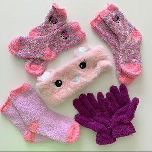 NWOT 5 Piece Girls Fuzzy Winter Bundle